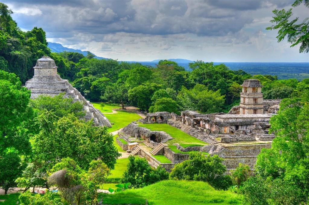 Mexiko a Guatemala s českým průvodcem -