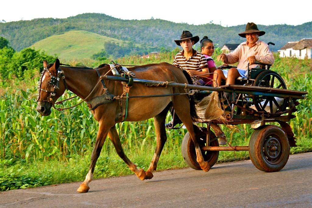 Kuba plná dobrodružství Fly & Drive -