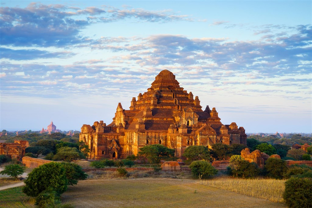 Magická Barma - Čína