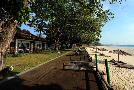 Marco Polo - Thande Beach Hotel - Pláž Ngapali patří k nejhezčím plážím v Barmě a hotel Thande Beach je postavený přímo u ní.