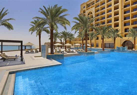 DoubleTree by Hilton Resort & Spa Marjan Island Ras AL Khaimah - Spojené Arabské Emiráty - bazén