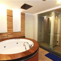Royal Lanta Resort Koh Lanta - grand deluxe vila - ckmarcopolo.cz
