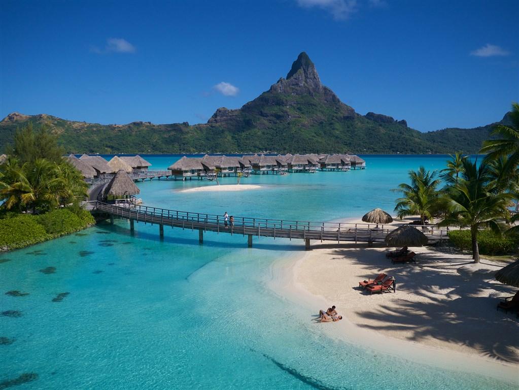 Intercontinental Bora Bora Resort & Thalasso Spa *****  - ostrov Bora Bora