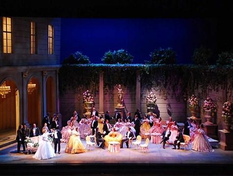 Do Královské opery v Ománu - Omán