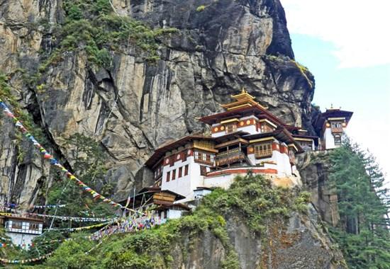 Bhútán - poslední Shangri La - Asie -