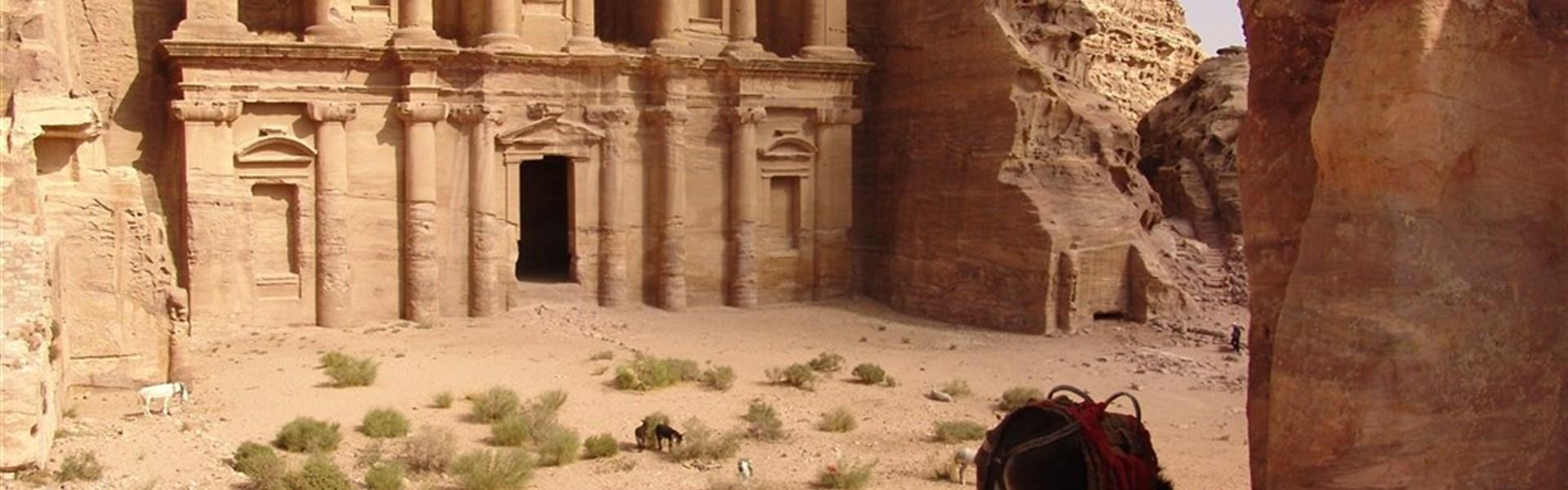 Okruh - Za klenoty Jordánska s českým průvodcem - Skalní město Petra - Monastery