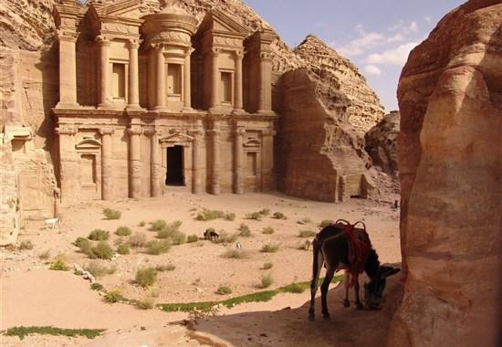 Okruh - Za klenoty Jordánska s českým průvodcem - Jordánsko - Skalní město Petra - Monastery