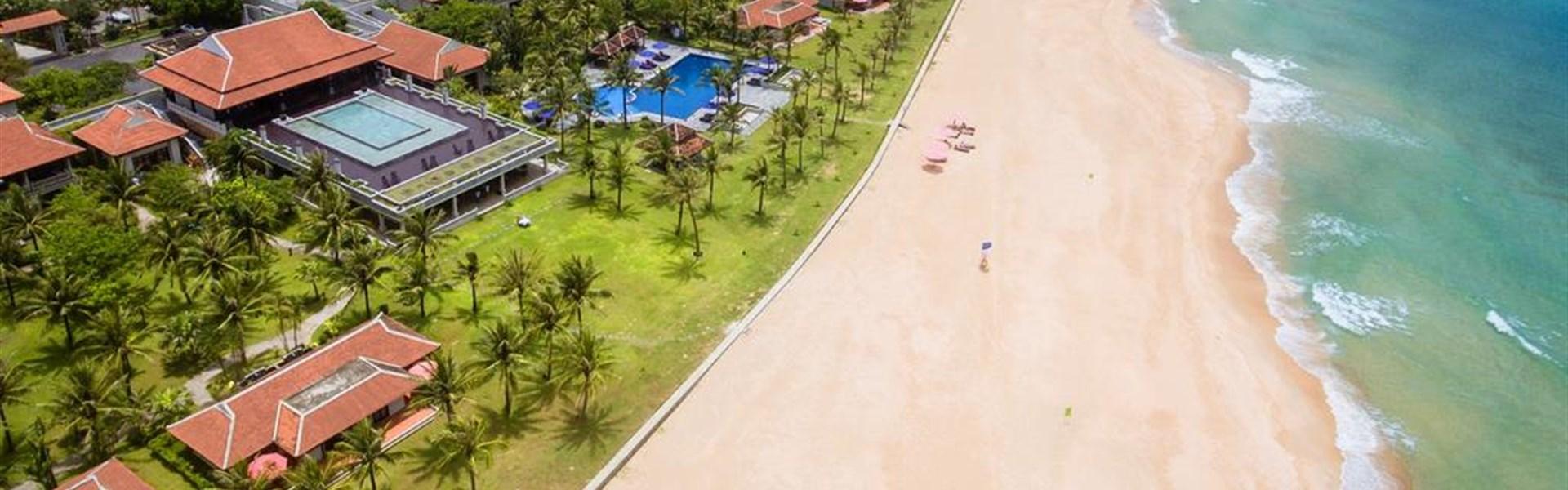 Zájezd k moři - Hue - Ana Mandara Resort - Vietnam - Hue - Ana Mandara - pláž.jpg