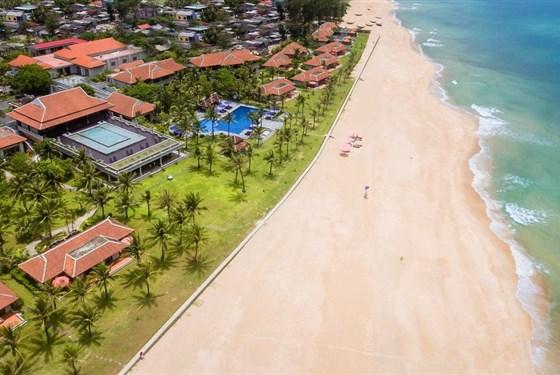 Marco Polo - Zájezd k moři - Hue - Ana Mandara Resort - Vietnam - Hue - Ana Mandara - pláž.jpg