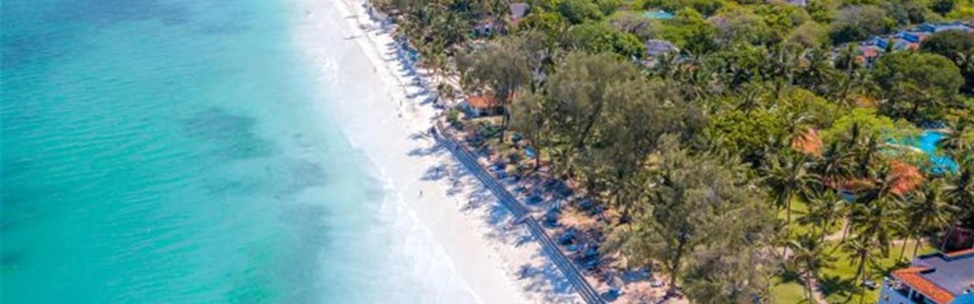 Safari v Keni s prodloužením u moře s českým průvodcem - Diani Sea Resort, dovolená v Keni s All-Inclusive