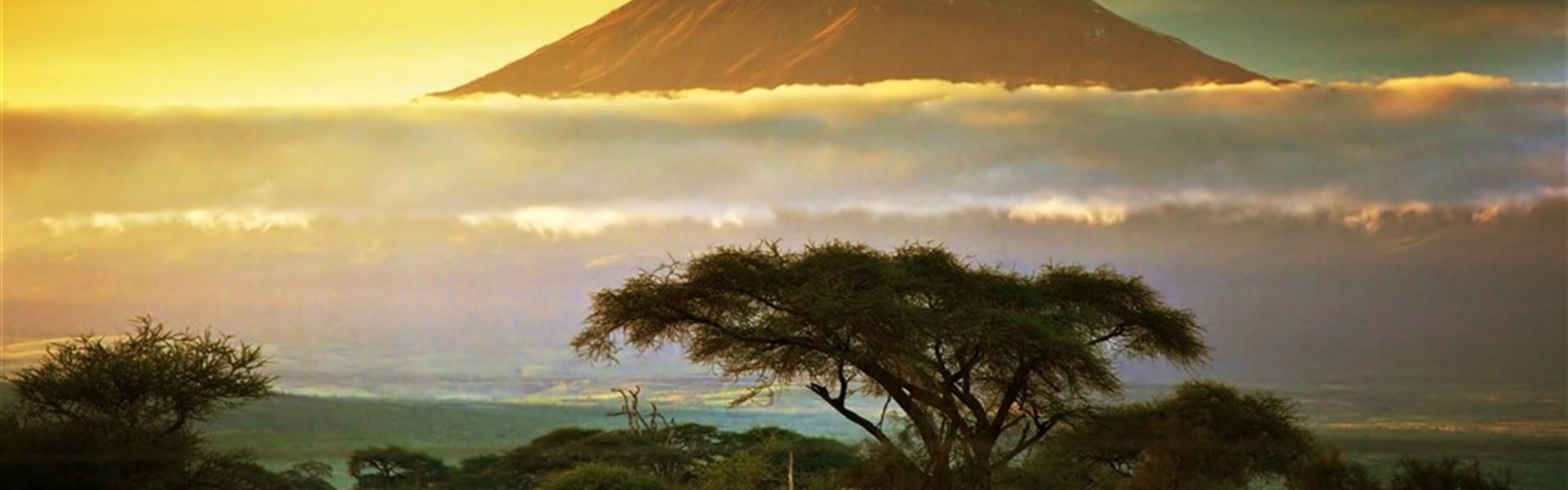 Safari v Amboseli a Tsavo West a pobyt u moře - 4 noci safari a 6 nocí u moře.Český průvodce. - Safari v Keni s Marco Polo_Amboseli