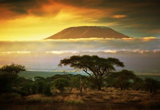 Safari v Amboseli a Tsavo West a pobyt u moře - 4 noci safari a 6 nocí u moře.Český průvodce. - Afrika