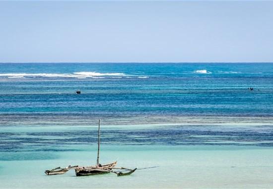 Last Moment - pobyt u moře v Keni - Diani Sea Lodge - Afrika - Pobyt u moře v Keni_Diani Beach