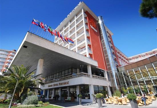 Life Class Grand Hotel Portorož - Slovinsko -