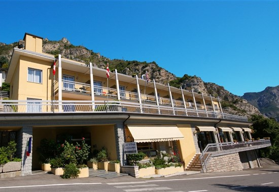 Hotel Bazzanega - Lago di Garda -