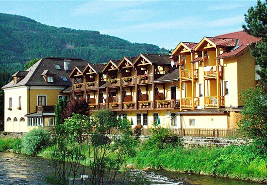 Hotel Platzer - Sportberg Goldeck (Millstätter See a Drautal) -