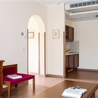 Il Pelagone Hotel & Golf Resort Toscana - Deluxe apartmán MP2H - ckmarcopolo.cz