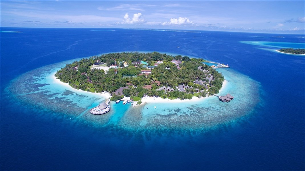Bandos Island Resort 4*