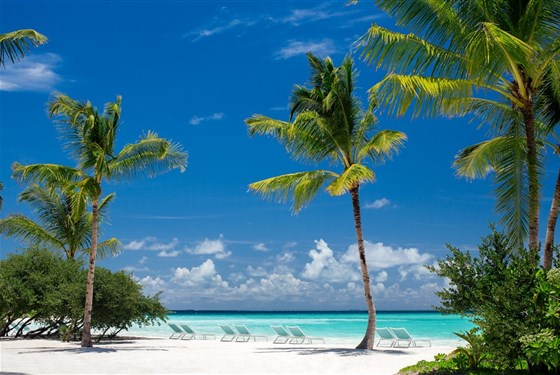 Marco Polo - Kandima Maldives 5* - pláž