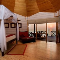 Komandoo Island Resort & Spa  - Adults Only - Jacuzzi Water Villa - ckmarcopolo.cz