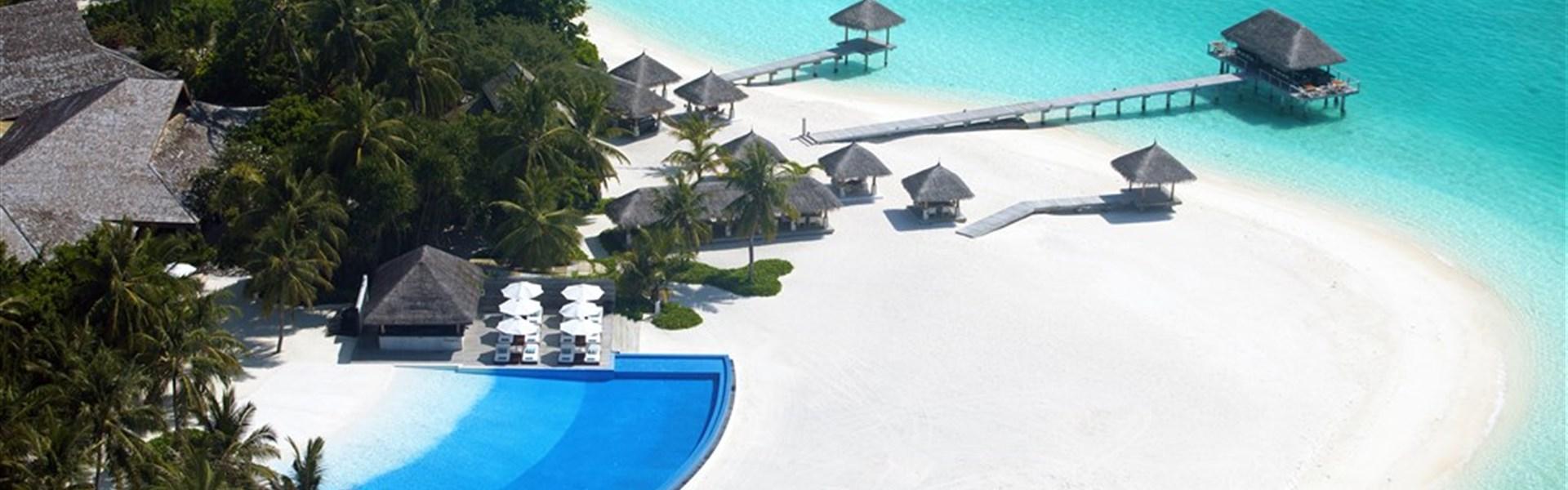 Marco Polo - Velassaru Maldives 5* - - pláž s bazénem