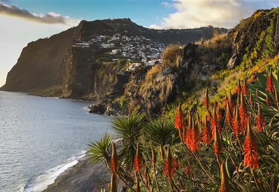 Věčné jaro na Madeiře - kombinace pobytu a výletů - Portugalsko -