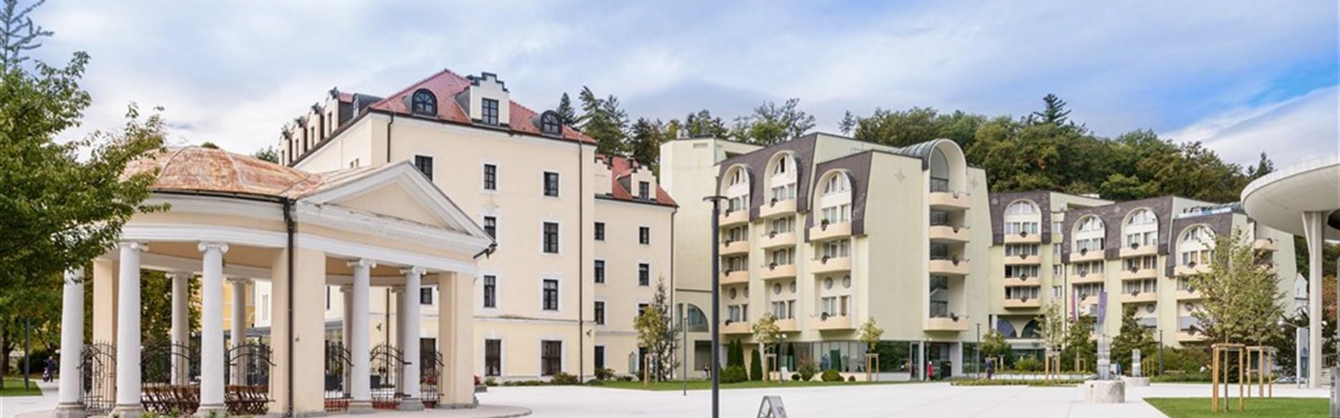Grand Hotel Sava/Lux a Hotel Zagreb -