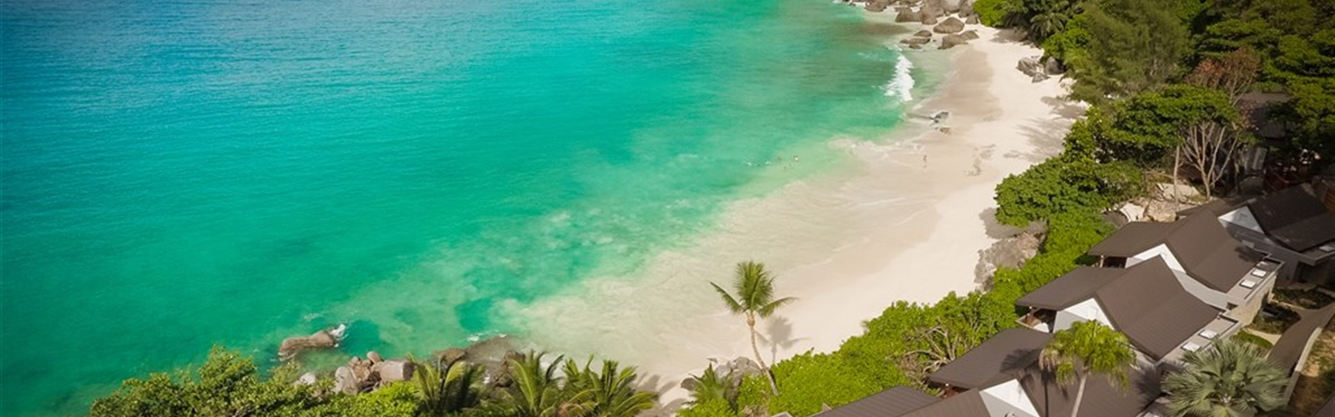 Carana Beach Hotel -