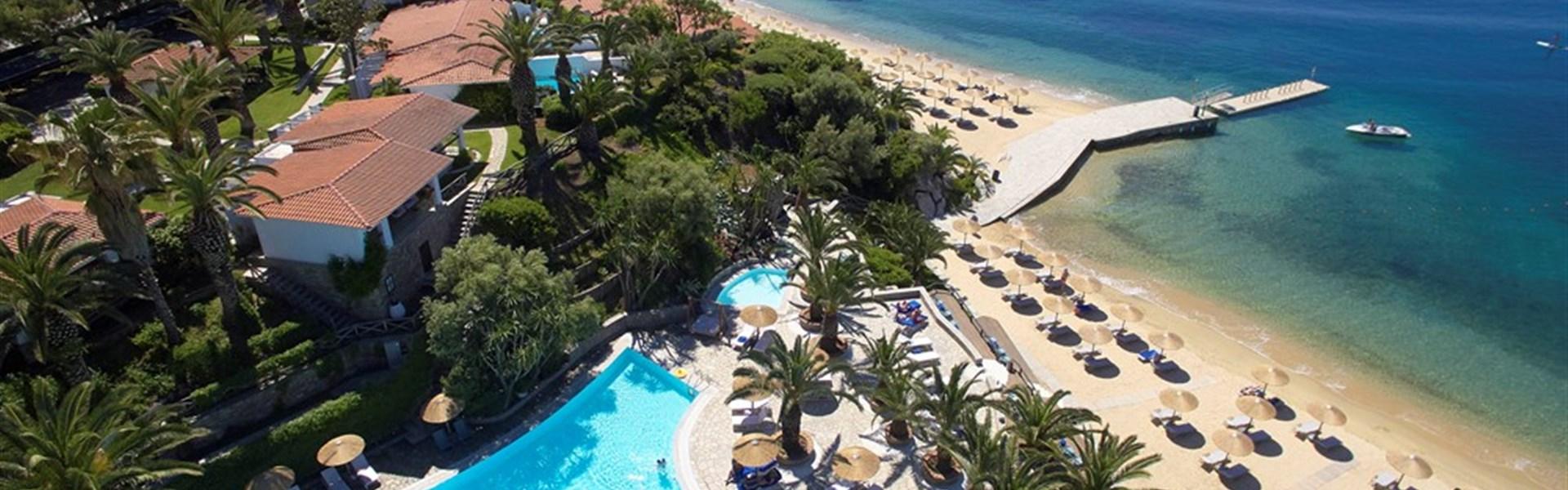 Marco Polo - Eagles Palace Resort 5* - bazén a pláž hotelu Eagles palace