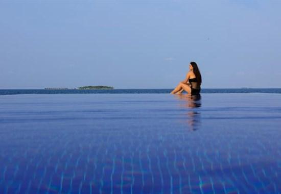 Centara Grand Island Resort & Spa Maldives - Indický oceán