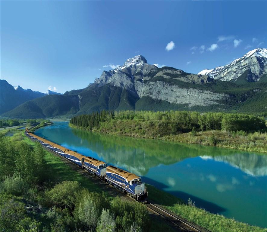 vlakem luxusně
